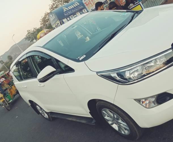 Varanasi Taxi Cab innova